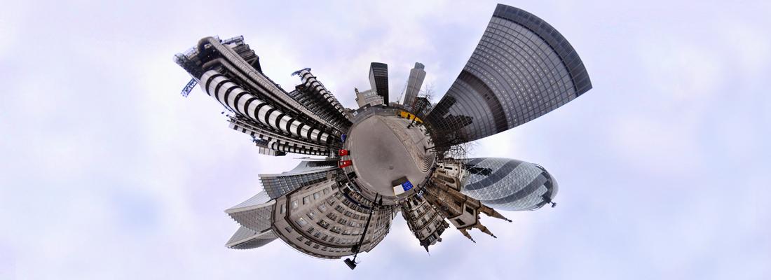 Vogelperspektive auf die Skyline einer Stadt