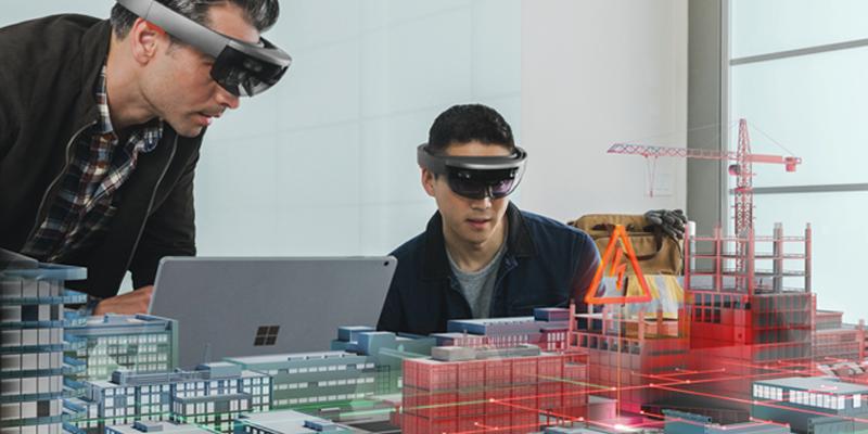Microsoft HoloLensを使う2人