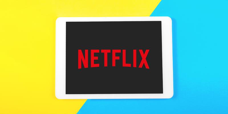 iPad上のNetflixロゴ